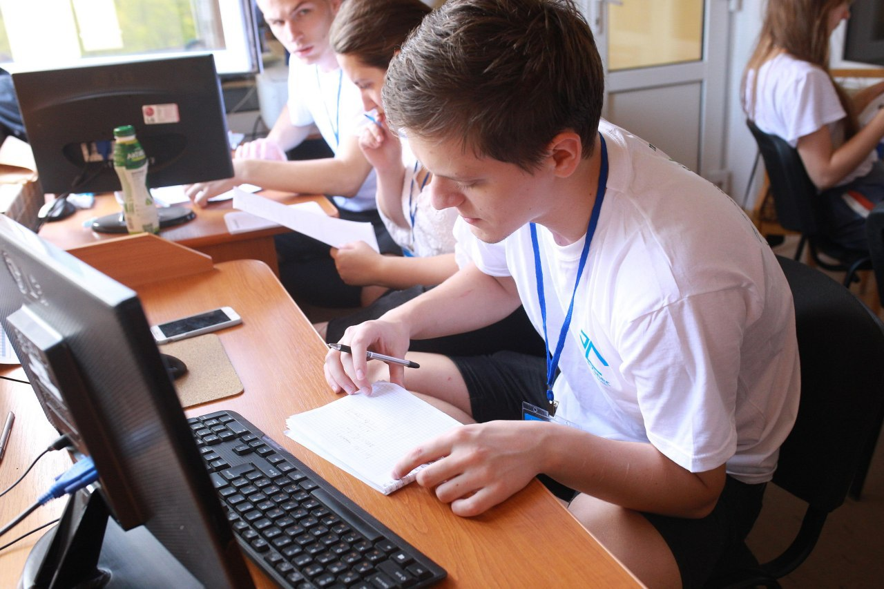 Закарпатські команди гідно виступили на XVII Відкритому чемпіонаті Харкова з програмування